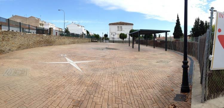 Parque infantil en Alcánta_Cáceres